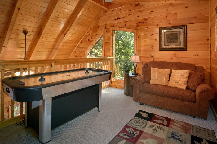1 Bedroom Cabin with Air Hockey Game and Loft - Crimson Moon