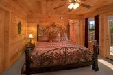 5 Bedroom Cabin with Luxurious King Bedroom