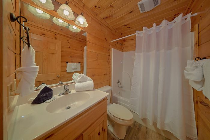 Hot Tub with Wooded Views - Cuddly Critters