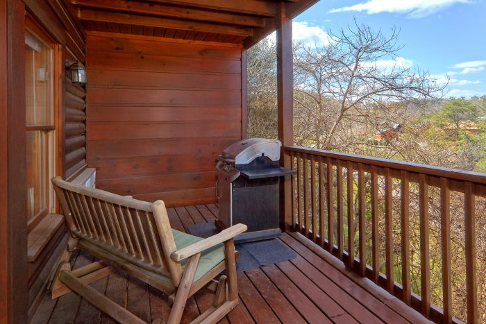 Affordable Cabin in Pigeon Forge with View - Dainty's Digs