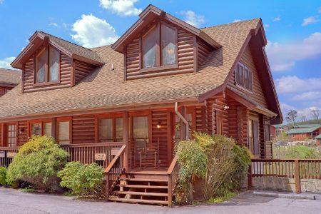 Nice N Knotty: 2 Bedroom Sevierville Cabin Rental