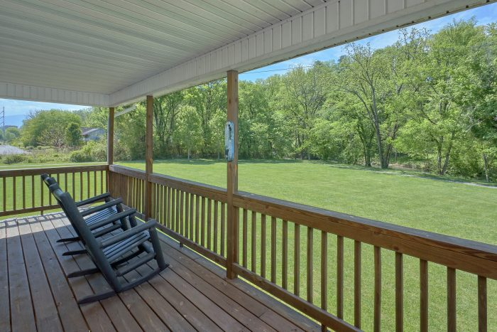 2 Bedroom Cabin with Picnic Area and Grills - Dancing Bears