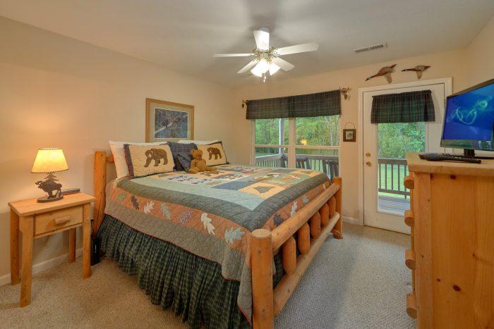 2 bedroom cabin rental with private king bedroom - Dancing Bears