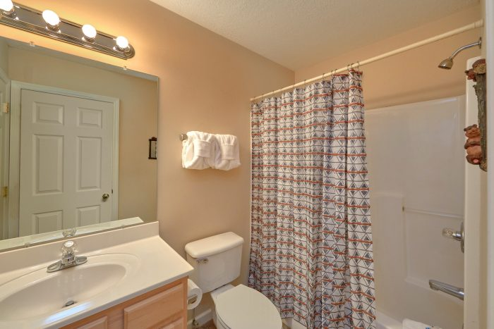 2 bedroom Vacation Home with 2 private baths - Dancing Bears