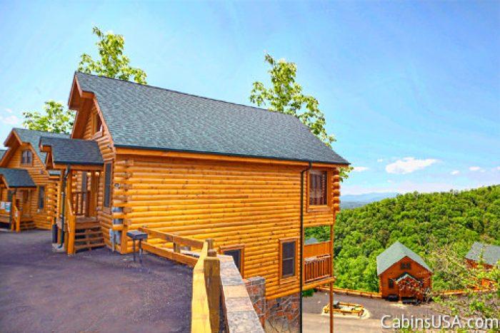 Legacy mountain resort gatlinburg tennessee deja view for Cabin rental companies in gatlinburg tn