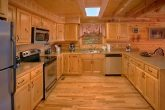 Luxury 3 bedroom Cabin with Spacious Kitchen