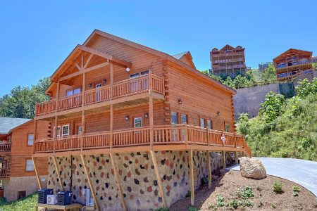 Laurel Cove: 5 Bedroom Gatlinburg Cabin Rental