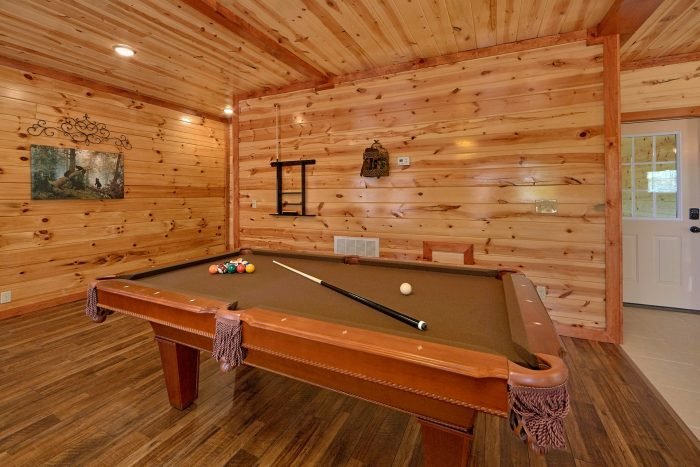 5 Bedroom Cabin with a Billiards Table - Dive Inn
