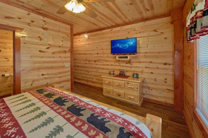 5 Bedroom Pool Cabin with a TV in Every Room - Dive Inn