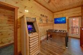 5 Bedroom Cabin with an Arcade Game