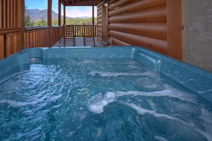 2 Hot Tubs at Luxury 4 Bedroom Cabin - Dreamland