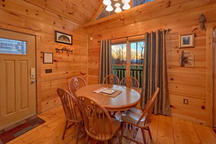 1 Bedroom Cabin Sleeps 4 with Dining Area - Dutch's Den