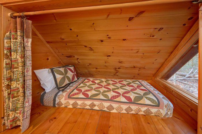 Semi Private 1 Bedroom Cabin near Gatlinburg - Dutch's Den