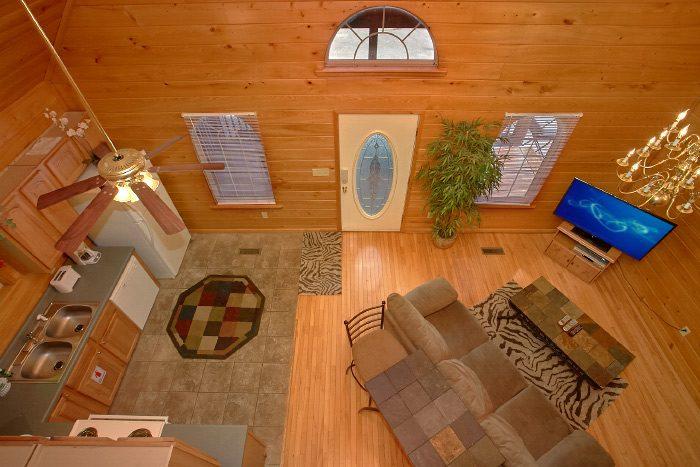 Modern 1 Bedroom Honeymoon Cabin with Loft - Eastern Retreat