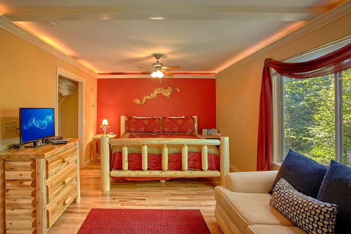 Honeymoon Cabin with King Suite - Eastern Retreat