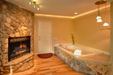 1 Bedroom Cabin with Fireplace and Jacuzzi