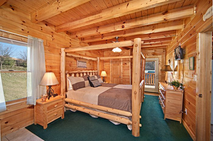 Cabin with Master Suite - Easy Livin