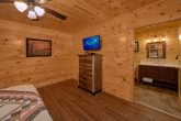 Cabin with Bathrooms in every bedroom
