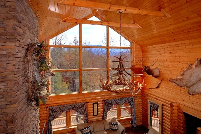 Beautiful 5 Bedroom Cabin Sleeps 14 - Elkhorn Lodge