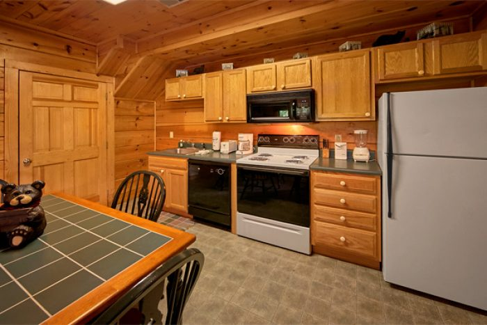 1 bedroom cabin that sleeps 4 with full kitchen - Enchantment