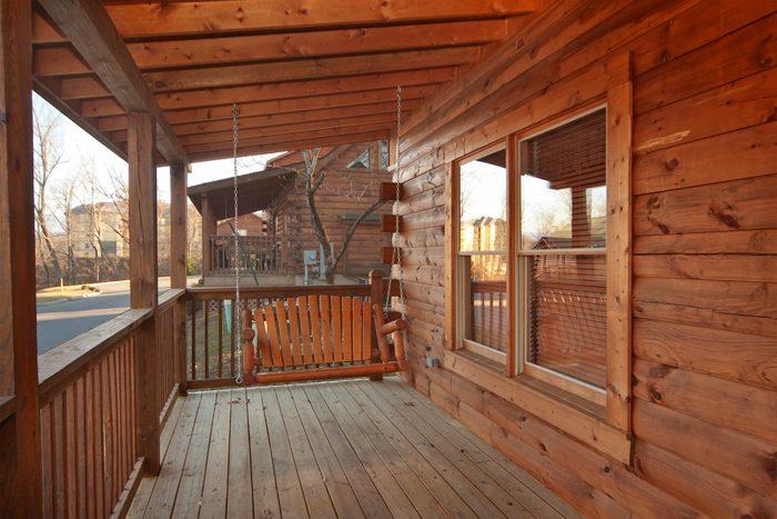 Pin Oak Resort 1 Bedroom Cabin off the Parkway - Falling Rock