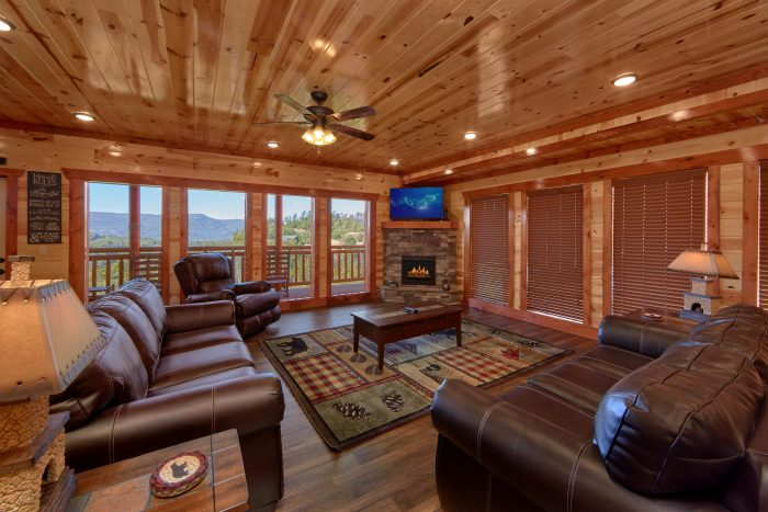 6 Bedroom Pool Cabin Sleeps 14 - Family Fun Pool Lodge 1
