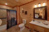 6 Full Size Bath Rooms 6 Bedroom Cabin