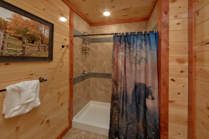 Walk In Shower 6 Bedroom Cabin New Build - Family Fun Pool Lodge 1
