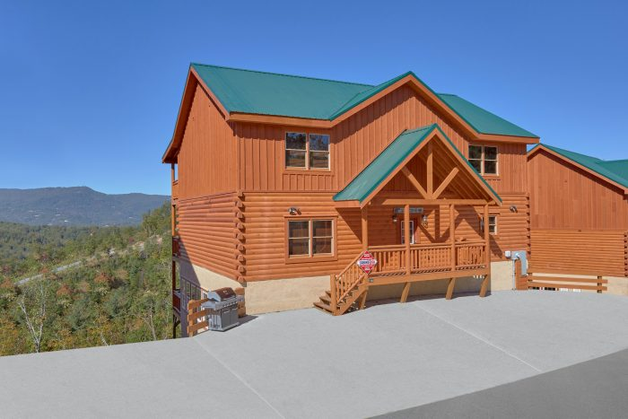 3 Story 6 Bedroom Indoor Pool Cabin Sleeps 14 - Family Fun Pool Lodge 1