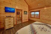 Spacious 6 Bedroom Cabin Sleeps 14