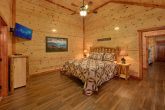 Spacious 6 Bedroom Cabin Sleeps 14 Indoor Pool