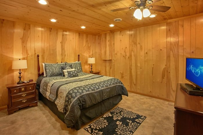Cabin with Queen Bedroom and Private Bath - Family Getaway