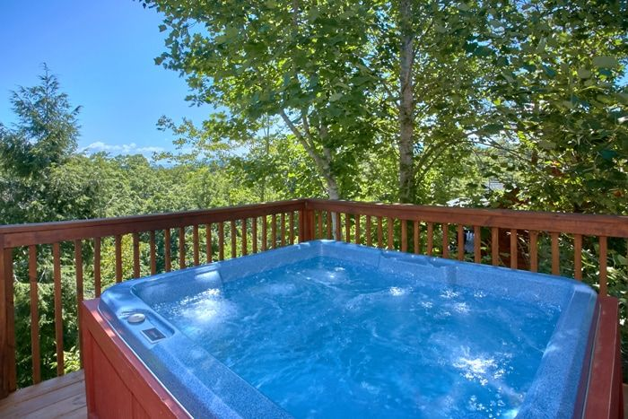 Cabin with Hot Tub with Wooded Views - Family Getaway