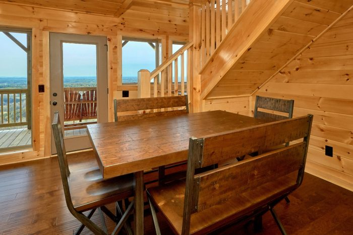 Luxury Cabin with Furnished Dining Room - Fifty Mile View