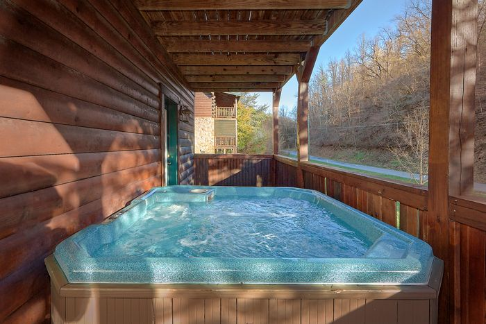 Smoky Mountain 4 Bedroom Cabin Rental - Fishin Hole