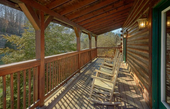4 Bedroom Cabins at the Crossing Cabin Rental - Fishin Hole