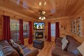 4 bedroom cabin with 2 Fireplaces & Sleeper sofa