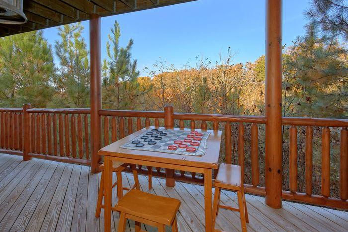 Premium 4 bedroom cabin rental with View - Fleur De Lis