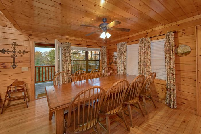 Pigeon Forge Cabin with Spacious Indoor Jacuzzi - Fleur De Lis