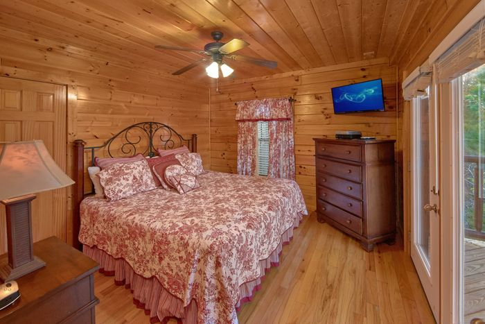 4 Bedroom Cabin with 4 Luxurious King Beds - Fleur De Lis