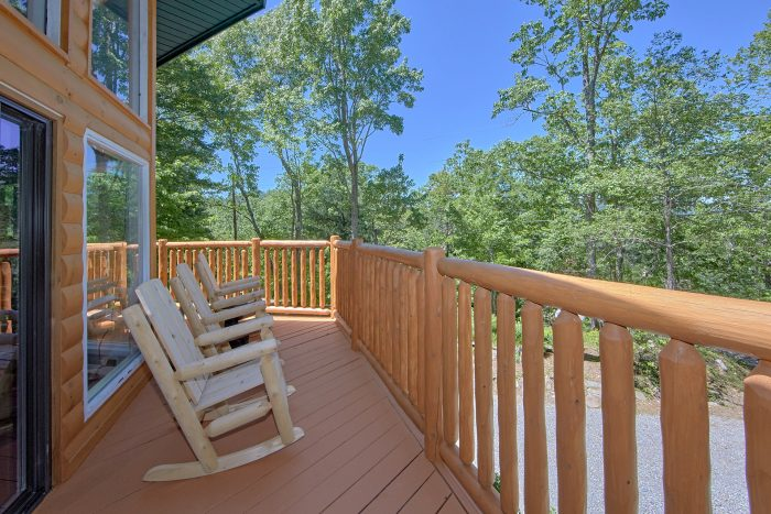 3 Bedroom Cabin with Wooded View from deck - Forever Country