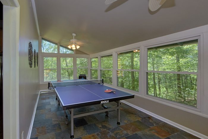 3 Bedroom Cabin with Ping Pong Table - Forever Country