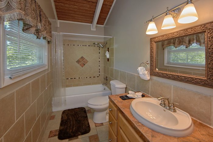 3 Bedroom Cabin rental with 2 and a half baths - Forever Country