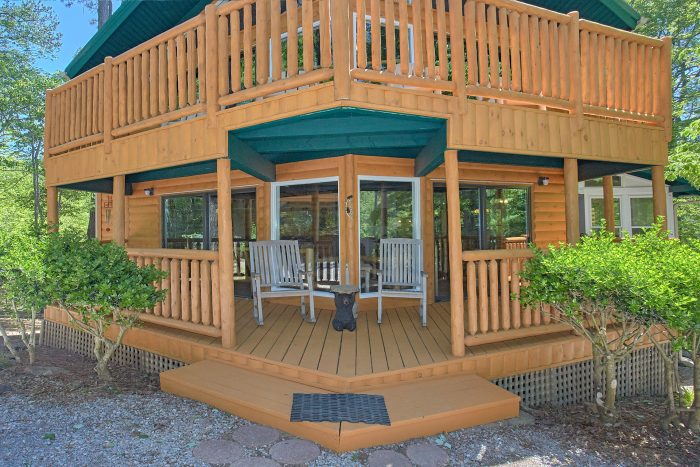 Cabin with Covered Parking and 2 Hot Tubs - Forever Country