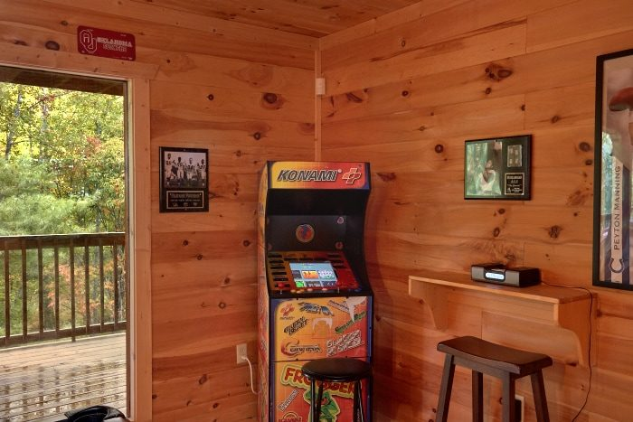 Premium 3 Bedroom Cabin with Video Arcade Game - Fort Knoxx