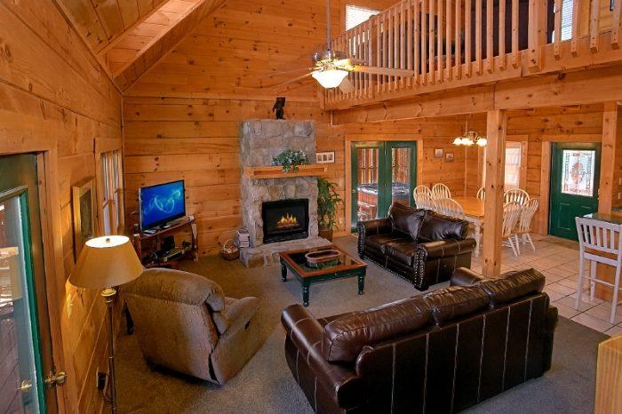 3 Bedroom Cabin Sleep 10 in Mountain Shadows - Gatlinburg Views