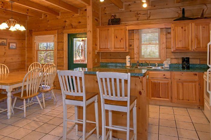 3 Bedroom cabin in Gatlinburg Sleeps 10 - Gatlinburg Views