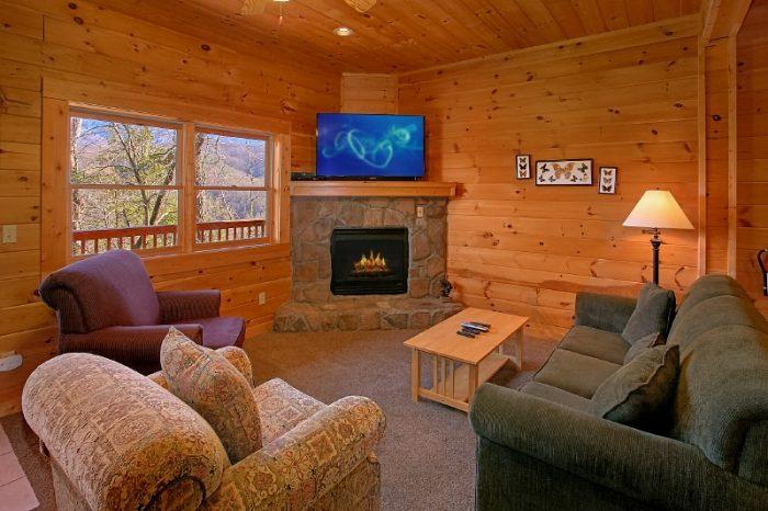 3 Bedroom Cabin Sleep 10 Extra Living Space - Gatlinburg Views