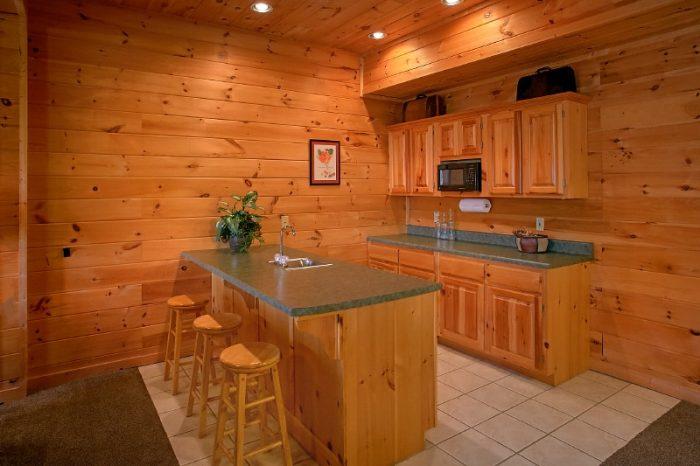 3 Bedroom Cabin Sleeps 10 with Wet Bar - Gatlinburg Views
