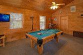 Gatlinburg 3 Bedroom Sleeps 10 with Pool Table
